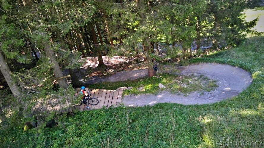 Bikepark Samerberg: jezdíte kolem pokladu, ani o tom nevíte
