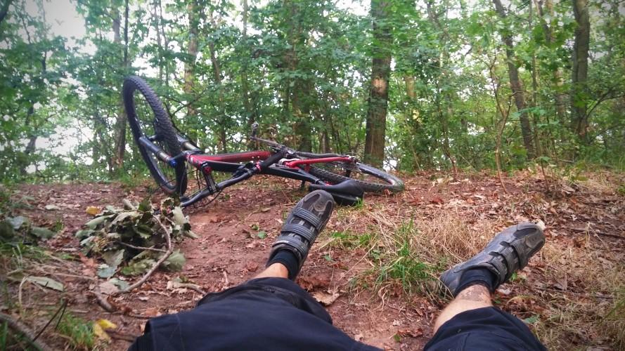 Pády na kole: Jak jsem se zlámal na trailu a jak se tomu vyhnout