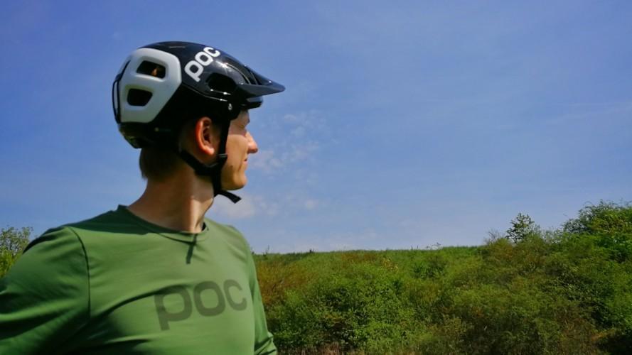 Jak vybrat helmu na kolo, když chcete řádit na trailech