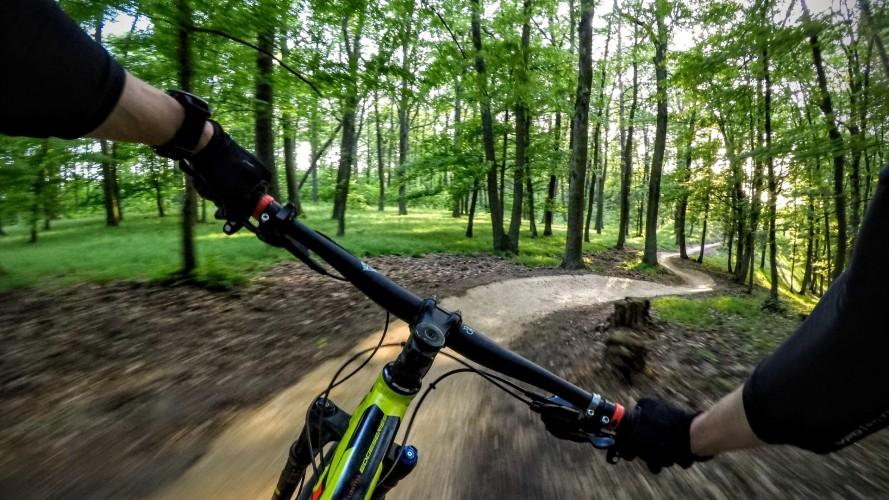 Singletrail Moravský kras - Mariánské údolí: Traily pro bikery na kraji Brna