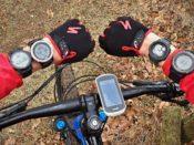 GPS hodinky a cyklonavigace Garmin