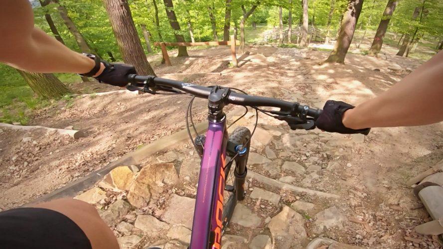 Bikearéna Anthropos: Na horském kole se dá vyřádit uprostřed Brna