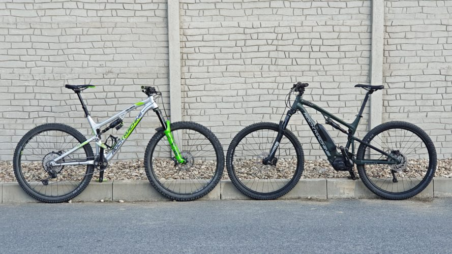 Elektrokolo vs. kolo bez motoru: O kolik méně se v terénu nadřete a v čem bude jízda jiná